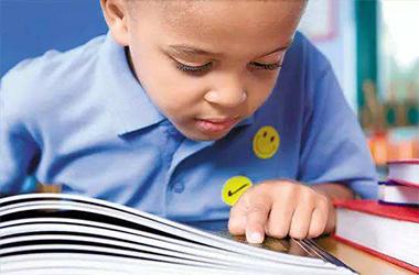 有了这款APP不用担心没时间陪孩子读书