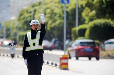 一款交通APP,助交警管理交通秩序。