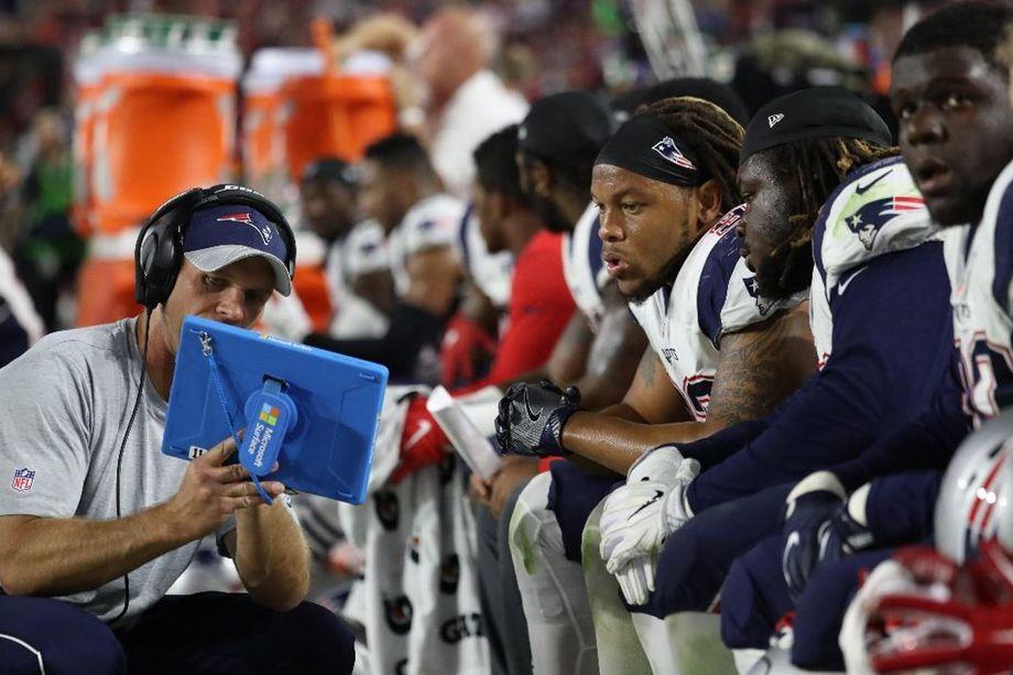 微软和NFL续签1年合约: 下个赛季还能看到Surface身影 